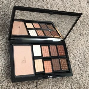 Doucce Magnetic nude eye finish pro palette